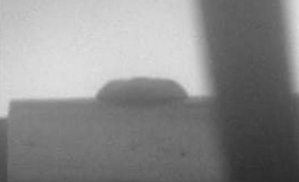 Un platillo volante en Marte en fotografia del Curiosity.