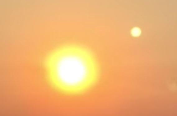 Imagen 3. ¿Acaso se trata de Nibiru? Curioso fenómeno de dos soles en el cielo es grabado en Seattle, Washington, EE.UU (Agosto 2015)