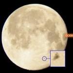 ¿Un OVNI sobre la Luna?