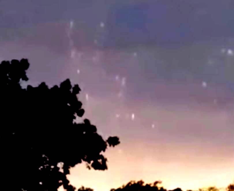 """""""OVNIs de plasma"""" avistados sobre Rhode Island."""
