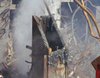Demolición controlada de las Torres Gemelas.