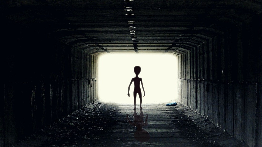 El interrogatorio a un extraterrestre gris en el Área 51