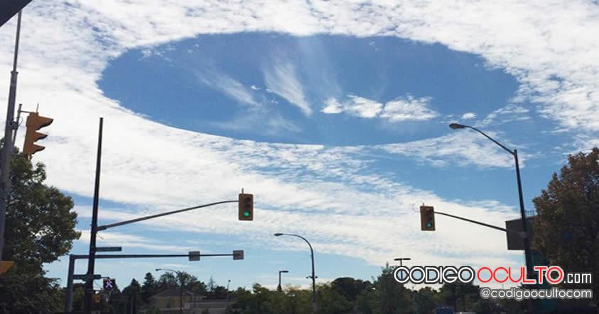 """Fenómeno en el cielo similar a """"nave nodriza extraterrestre"""" causa temor en Canadá"""