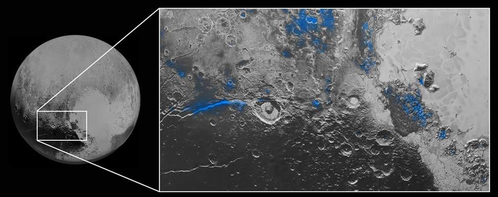 Las partes azules en la imagen muestran el hielo de agua en Plutón.