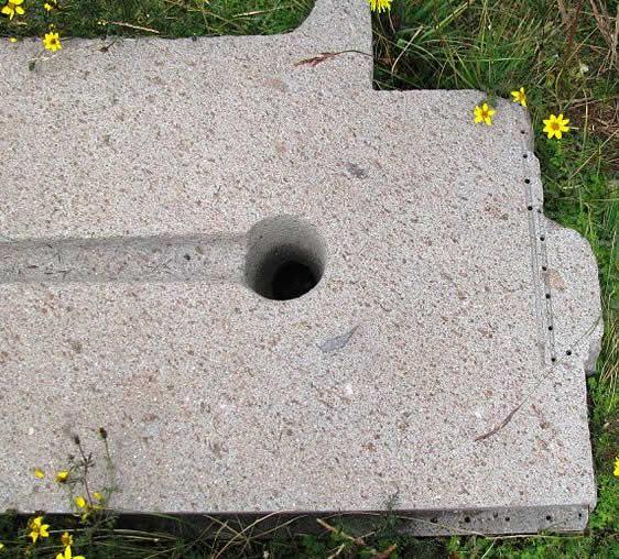Increíble precisión encontrada en Puma Punku. ¿Cómo logró esto el hombre antiguo? Observe los agujeros casi perfectos en los lados. ¿Cómo se crearon estos agujeros? Están espaciados uniformemente.