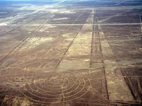 Líneas de Nasca, ¿antiguas pistas para las naves de los dioses?