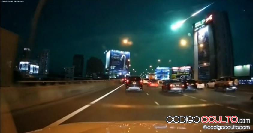 Meteoro de color verde fue reportado en varias localidades de Tailandia