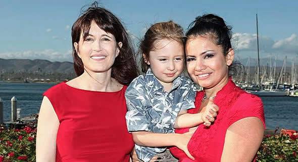 Dr Diane Powell con Ramses y su madre