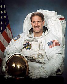 El astronauta John Grunsfeld brindó declaraciones acerca de la vida extraterrestre