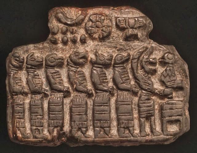 Tableta Sumeria, que representa a reptiles humanoides.