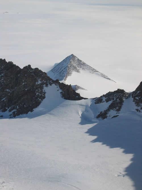 Pirámide descubierta en la Antártida
