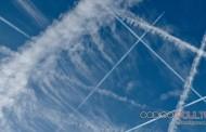 Científico de NOAA: Estelas de avión pueden generar Geoingeniería de manera accidental