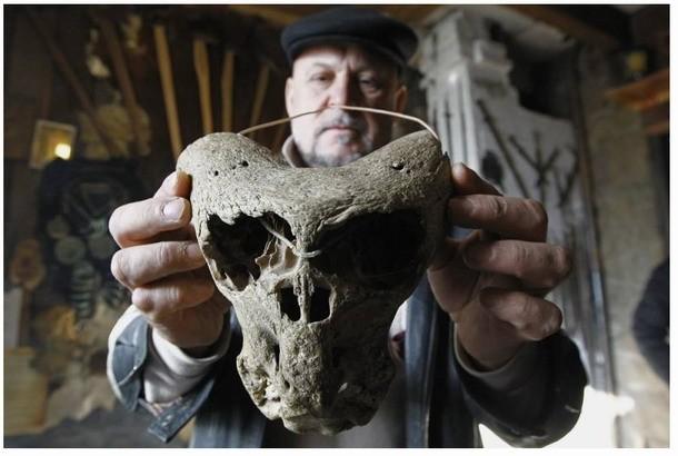 Uno de los extraños cráneos hallados. ¿Anunnaki?