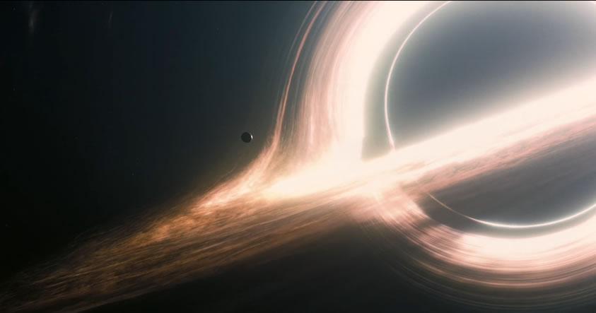 Científicos: Planetas que orbitan agujeros negros podrían soportar vida extraña