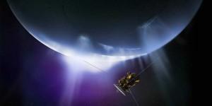 Extraños agujeros en Encélado, luna de Saturno, sorprenden a científicos