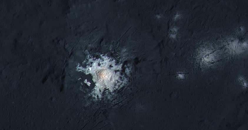Las manchas brillantes en Ceres podrían ser portales a su interior