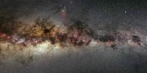 Astrónomos descubren una enorme galaxia orbitando la nuestra
