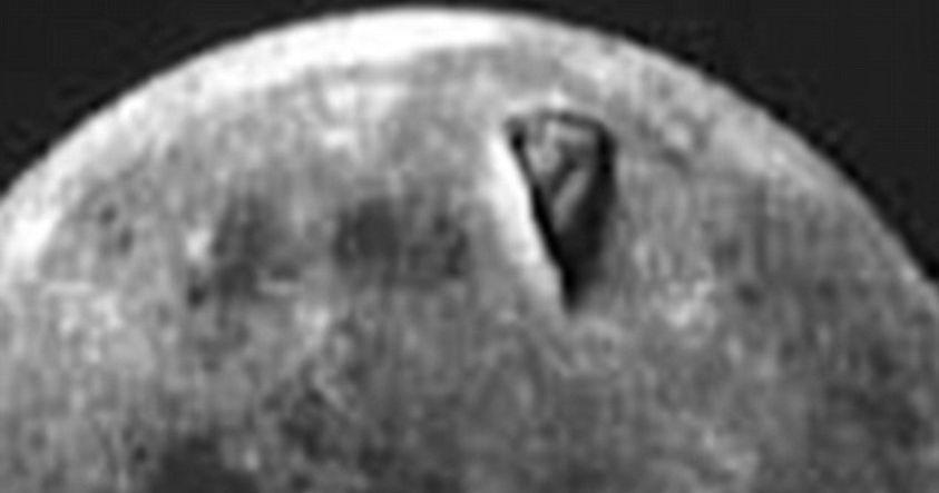 Descubren una enorme estructura en la superficie de la Luna en imágenes de Apolo 8