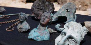 Buzos descubren espectacular tesoro de 1.600 años de antigüedad bajo el mar de Israel