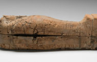El feto momificado más joven del antiguo Egipto ha sido encontrado en este pequeño sarcófago