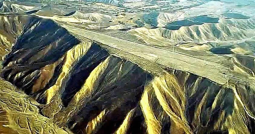 Las «pistas» sobre las montañas alrededor de las Líneas de Nasca que desafían toda explicación