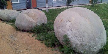 Descubren en mina de Siberia unas colosales esferas que cambian de color
