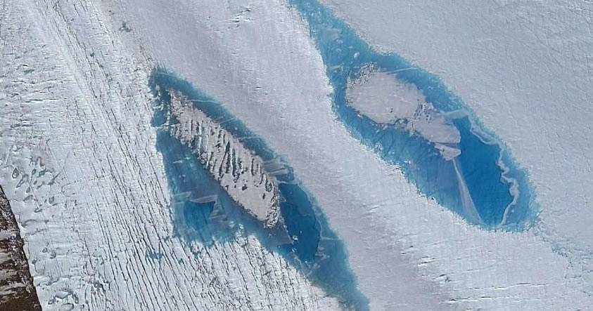 Aparecen miles de extraños lagos azules en la Antártida, causando preocupación en los científicos