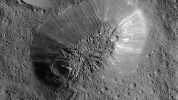 Ahuna Mons, un posible criovolcán en Ceres