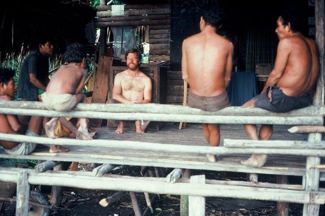 Daniel Everett en su visita al pueblo de Pirahã en Brasil