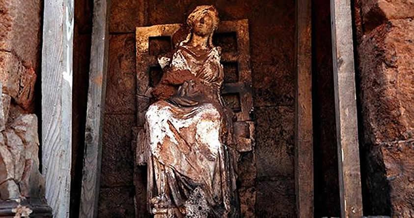 Arqueólogos descubren en Turquía estatua de la diosa Cibeles de 2.100 años de antigüedad