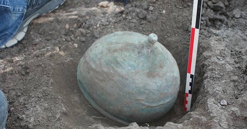 Descubren antiguo casco de un guerrero de una civilización desconocida en el sur de Rusia