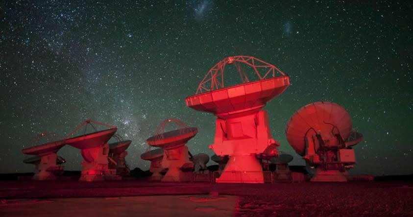 El Proyecto de Búsqueda Extraterrestre de Hawking investiga señales extrañas de 234 estrellas