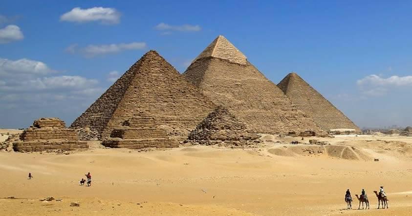 Descubren dos misteriosas cavidades dentro de la Gran Pirámide de Giza
