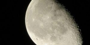 Ex empleado de la NASA promete revelar un «oscuro secreto» sobre la Luna