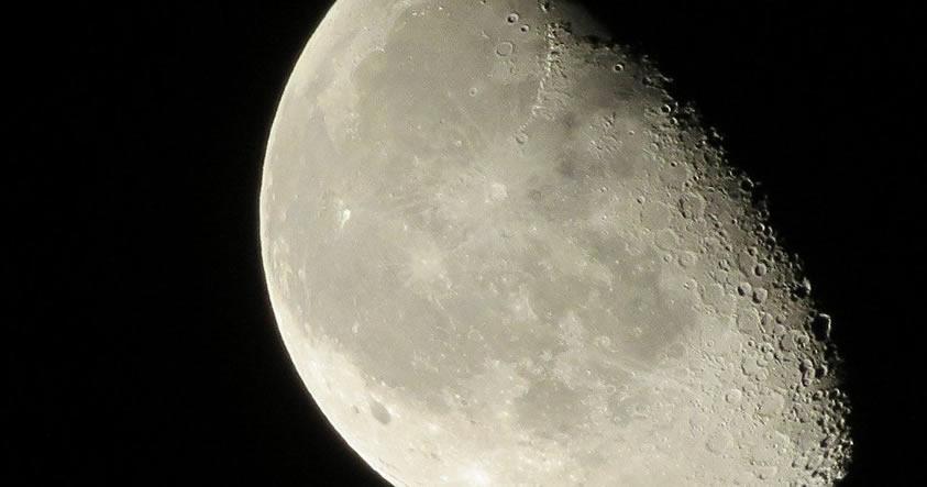 Ex Funcionario de la NASA promete revelar un «oscuro secreto» sobre la Luna
