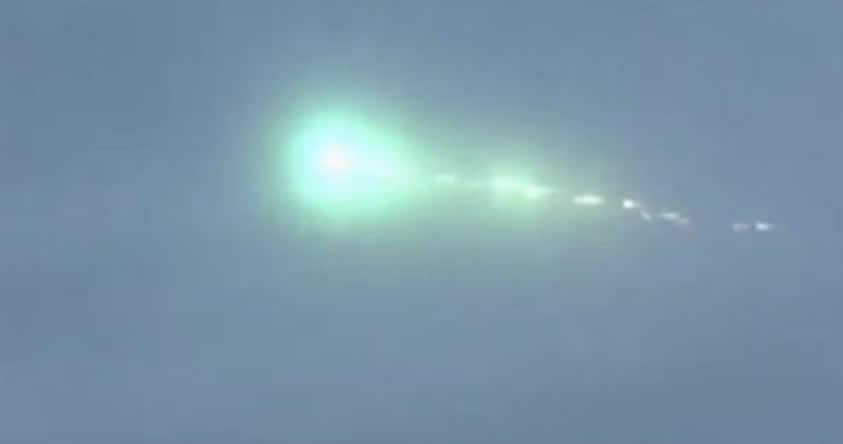 Extraña esfera luminosa aparece en cielo de Japón