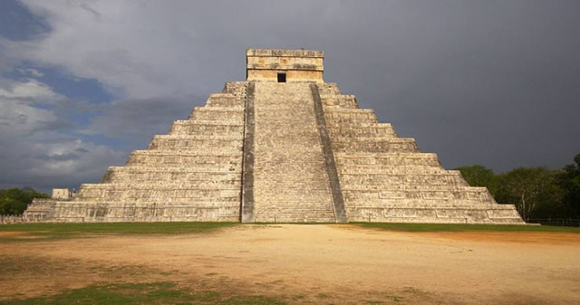 Investigadores hallan una pirámide oculta en el interior de un templo de Chichén Itzá