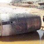 Misterioso objeto cilíndrico cae desde el cielo en territorio de Birmania