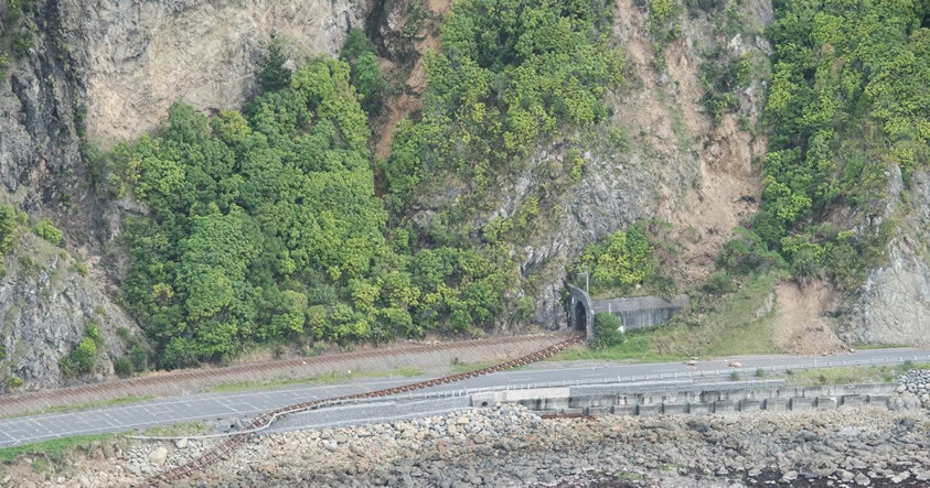Aparece una grieta en una presa de Nueva Zelanda, luego del terremoto