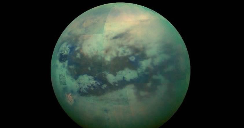Astrónomos confirman que Titán posee profundos cañones llenos de metano líquido
