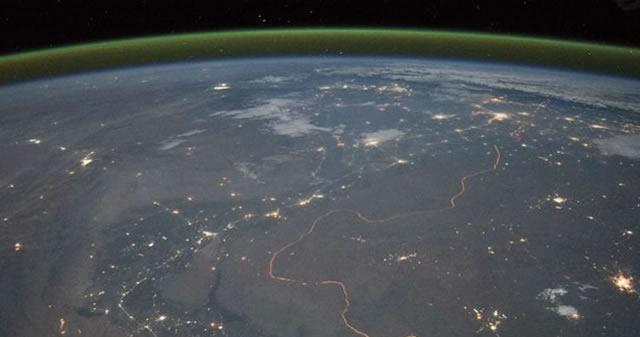 Astrónomos descubren una misteriosa «luminiscencia atmosférica» verde sobre la Tierra