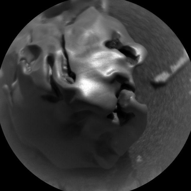 Meteorito «Egg Rock» descubierto en Marte