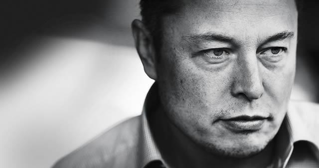 Futuro según Elon Musk: «Robots usurparán tu empleo, la gente realizará cosas más complejas, y el gobierno dará una renta básica universal»