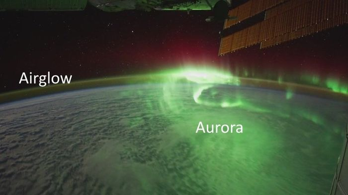 La aurora y el airglow capturados desde la Estación Espacial Internacional.
