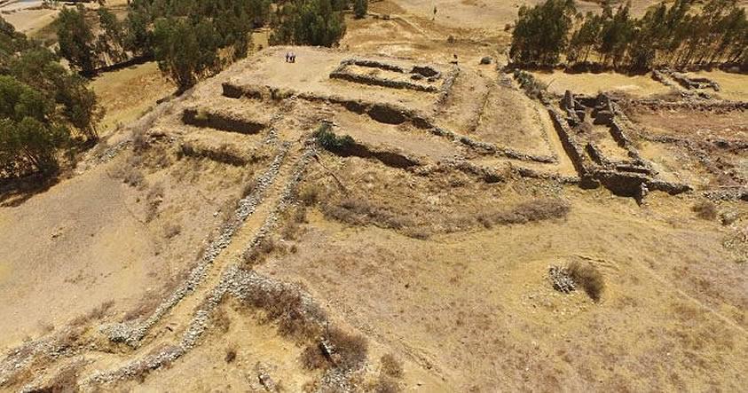Arqueólogos descubren una Pirámide escalonada en Ancash, Perú