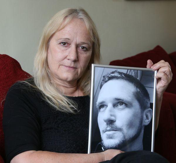 Vanessa Bates, madre de Max Spiers, está convencida de que su hijo fue asesinado.