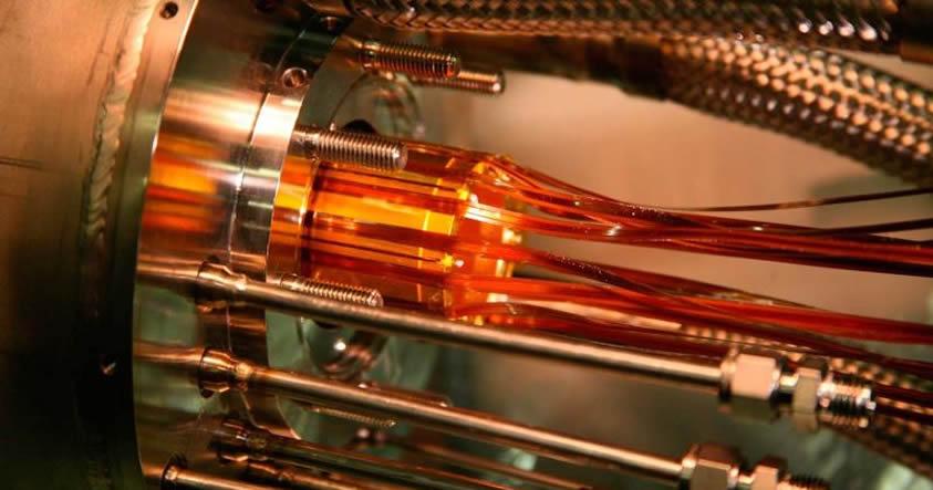 Científicos del CERN logran medir el espectro de luz de antimateria por primera vez