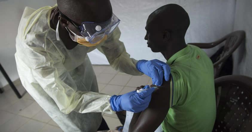 Es oficial: Finalmente tenemos una vacuna contra el Ebola que es hasta 100% efectiva