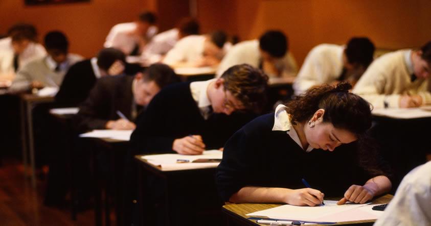 La selección natural está disminuyendo los genes humanos de la educación, dicen los científicos