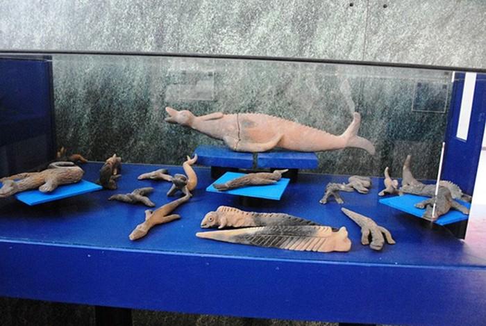 Algunas de las figuritas de Acámbaro se asemejan a reptiles o criaturas marinas.